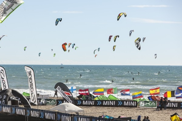 Campeonato MINI Kitesurf Tour Europe (KTE)