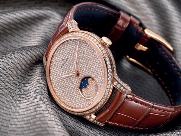 Los dos nuevos modelos de relojes Zenith Elite Lady Monophase son exquisitamente femeninos en cada detalle.