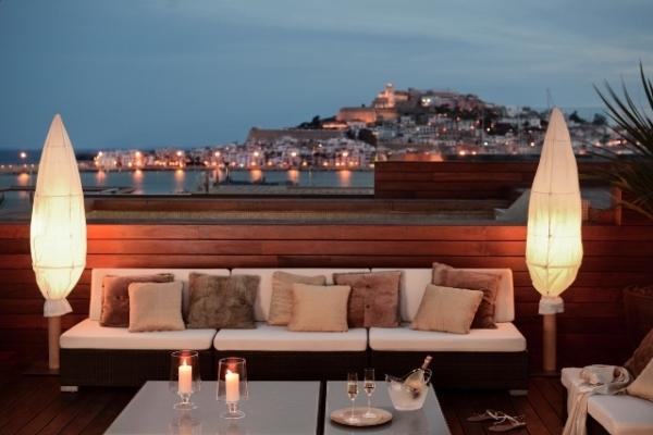 Terraza con impresionantes vistas a Dalt Vila