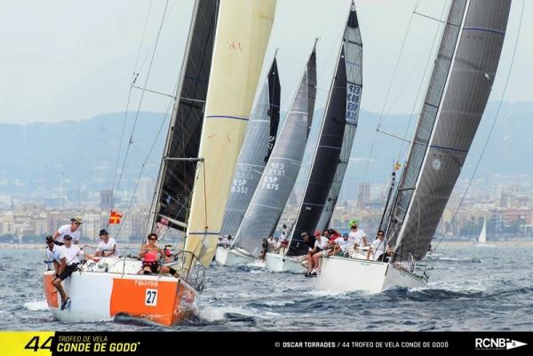 Una imagen de cruceros del pasado Trofeo de vela Conde de Godó.