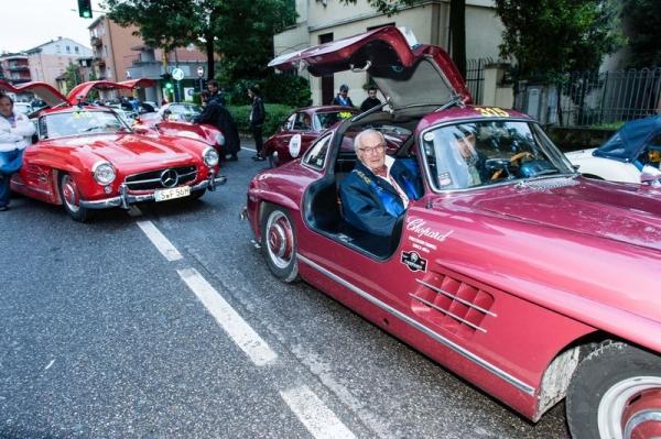 MilleMiglia2013 - Karl Scheufele y Albert Carreras en un Mercedes Alas de Gaviota
