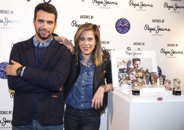 el actor JESÚS CASTRO y la actriz MARÍA LEÓN