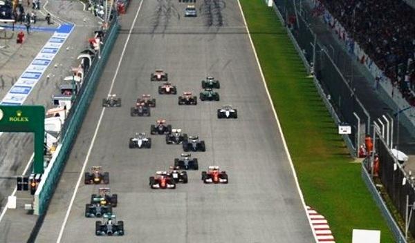 GP F1 Malasia: Hamilton se pasea por el circuito de Sepang y Alonso de nuevo acaba cuarto