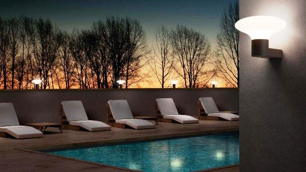 Iluminación nocturna de piscinas