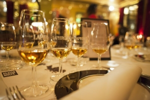 Bar Mut Barcelona presenta los whiskies Peated Malts