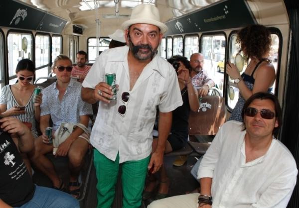 José Corbacho - guía turistico del Perrier Beach Bus
