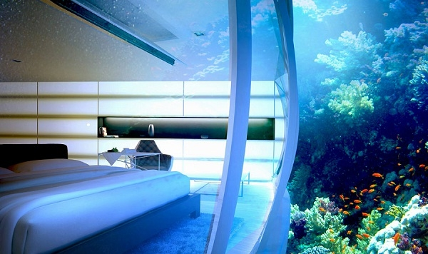 Dubai Water Discuss Hotel