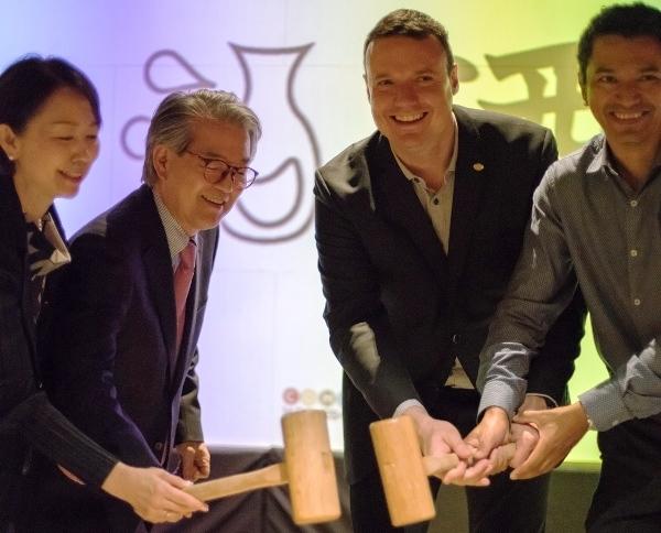 El consúl de Japón apadrinó la nueva carta de Sakes de Shibui