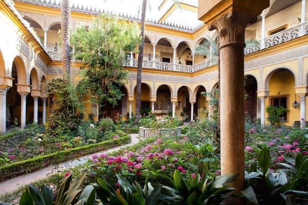 La Casa de las Dueñas, el palacio de los Duques de Alba, abre sus puertas