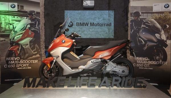 BMW presenta sus Scooters C 650 Sport y C650 Gt en la antigua fábrica Moritz de Barcelona