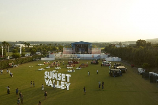 Sunset Valley Festival clausura su primera edición con Al McKay's Earth, Wind & Fire Experience