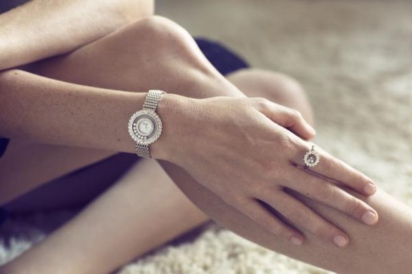 Poppy Delevingne nos muestra la colección Happy Diamonds