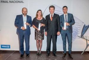 Johann Betz, Director General de Finanzas de BMW Group España entregaba los correspondientes trofeos
