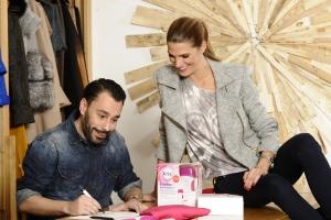 La modelo y actriz Laura Sánchez y el diseñador Juanjo Oliva