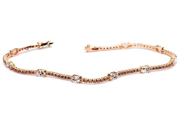 Pulsera rivière de oro rosa con brillantes Brown y diamantes blancos talla oval  - 5.100€