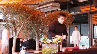 Showcooking chef Billy Barroja en el restaurante Opium Barcelona