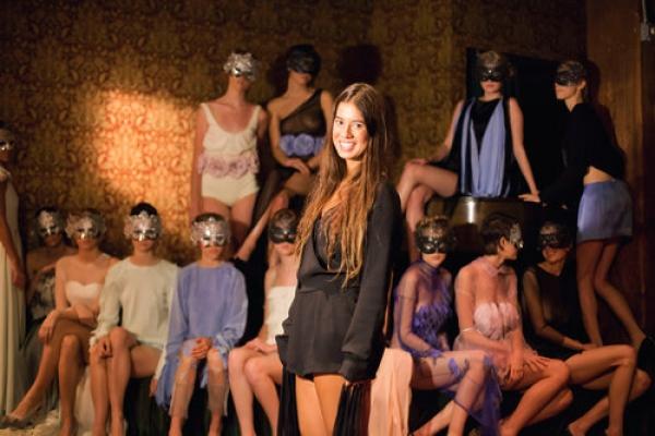 Katrin Garí la diseñadora que se debate entre la perversión y la inocencia a través de Katrina Grey