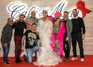 Eduardo Vega, Raul Orellana y varios artistas en la fiesta red