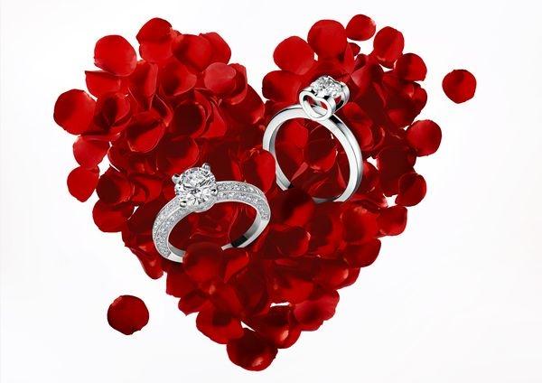 Anillos de compromiso, lujo para corazones románticos