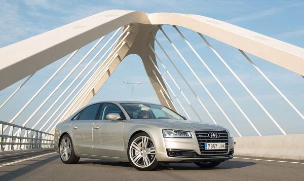 Audi A8 4.2 TDI, First Class