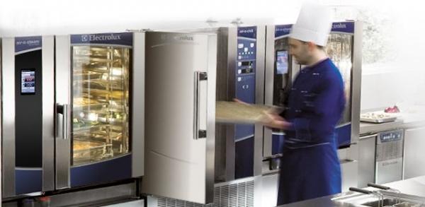 Cocinas de lujo con el nuevo horno Electrolux Air-o-system