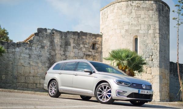 Probamos al electrizante Volkswagen Passat Variant GTE