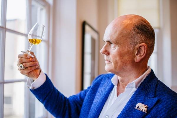 Bob Dalgarno, Whisky Maker de The Macallan y Roja Dove, reconocido nariz y maestro perfumista