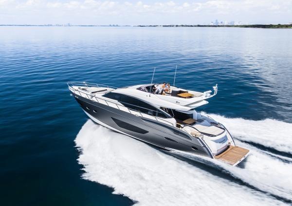 Princess S72 Sportbridge de Princess Yachts