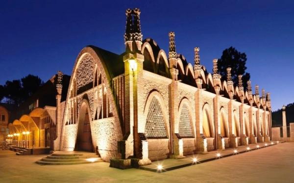 El conjunto arquitectónico situado en la bodega de Sant Sadurní d'Anoia es Patrimonio Artístico Nacional desde 1976
