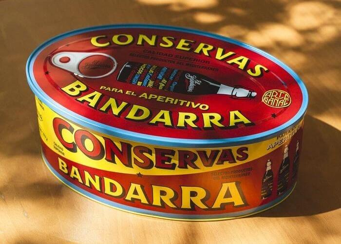 ILa nueva LATA de CONSERVAS de EL BANDARRA, un pack vermutero para el genuino aperitivo